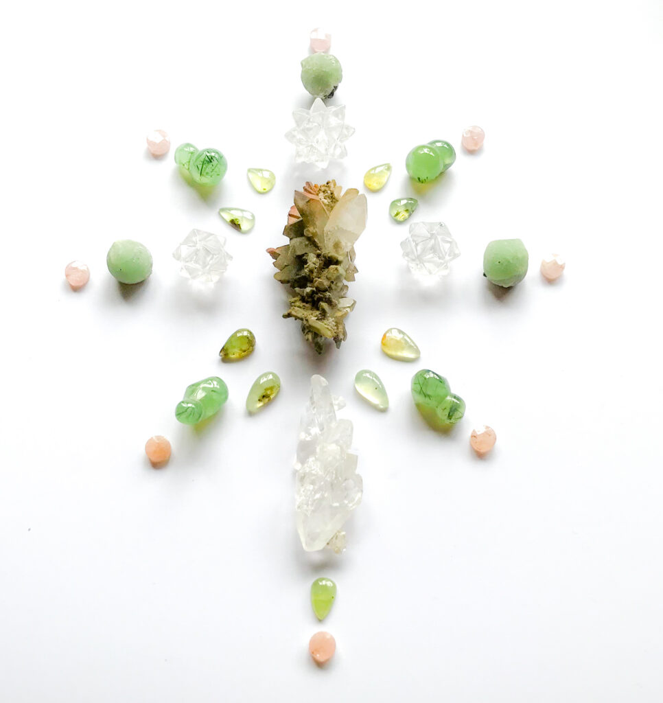 Chlorite Quartz, Quartz, Prehnite with Epidote, Faden Quartz, Morganite